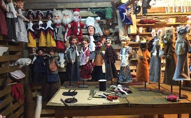 sculpture de marionnettes lyonnaises