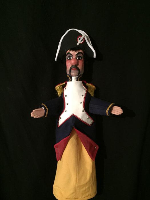 sculpteur marionnette gendarme