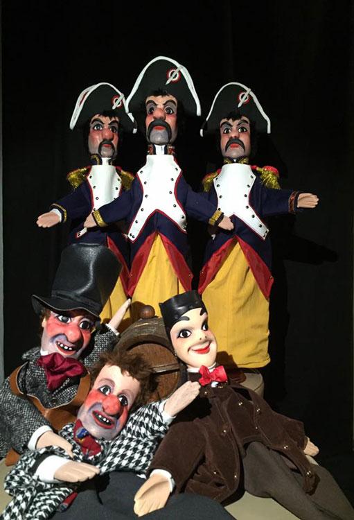 Fabrication de marionnettes francaises gendarme, guignol, gnafron